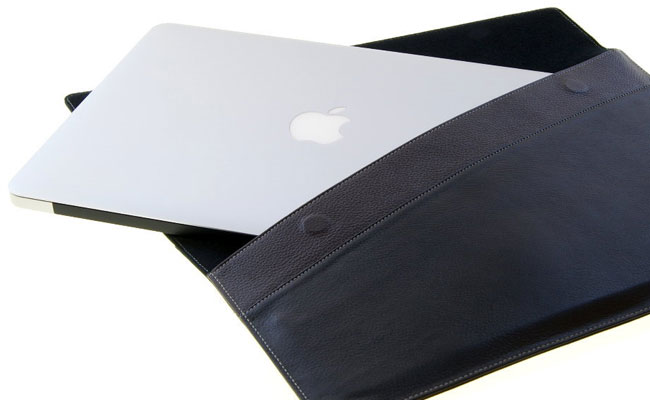 Housse Macbook Air en cuir noir